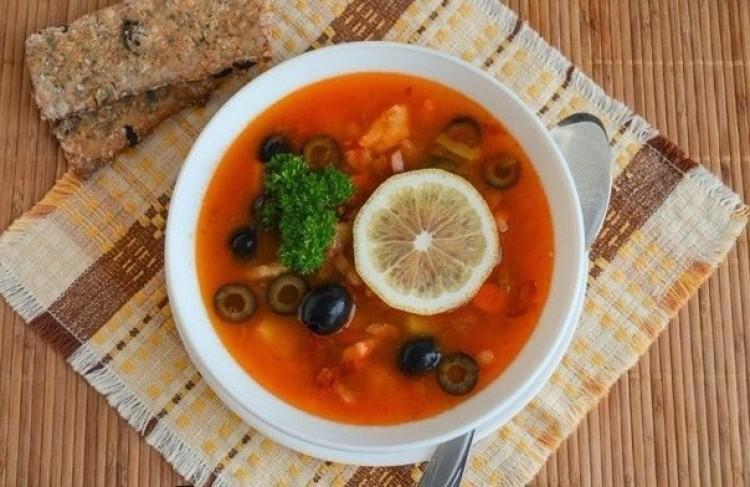 рецепт суп солянка с колбасой и оливками и лимоном пошаговый рецепт с фото